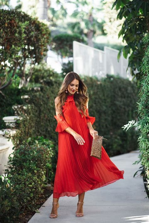 Best 25  Red midi dress ideas on Pinterest   Wedding guest
