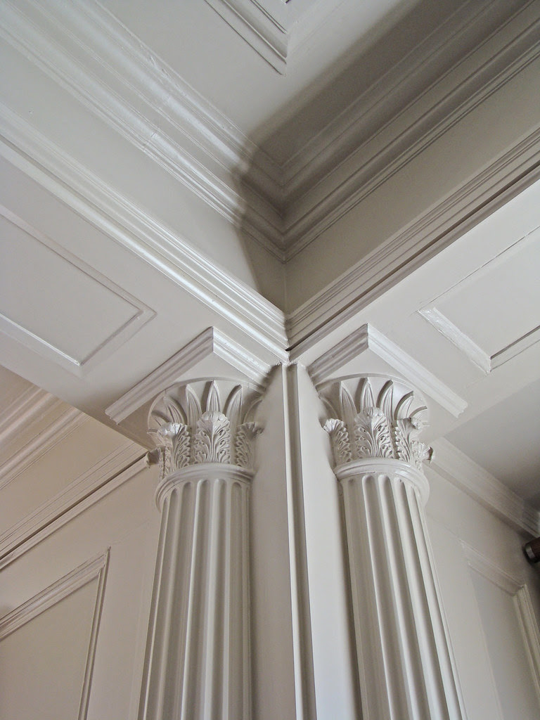 DSC05706 2830 Pacific Avenue entry columns