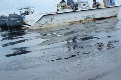 O mar do Golfo do México demorará décadas a recuperar do desastre ambiental. Foto skytruth/Flickr