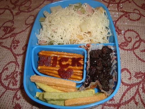 Pasta & Italian 6 cheese,veggie straws,pretzels,raisins 11-18 by Rina Ameriasianbento