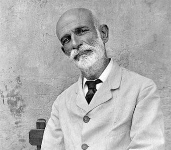 http://www.biografiasyvidas.com/biografia/g/fotos/giner_de_los_rios.jpg