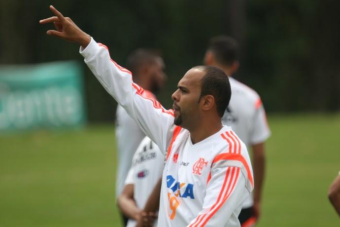 Alecsandro no treino deste sábado do Flamengo (Foto: Gilvan de Souza / Flamengo)