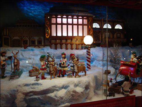 Hudson's Bay Christmas windows