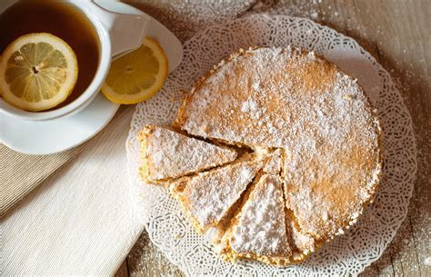Italian Sweet Ricotta Pie from 25 Springtime Pie Recipes