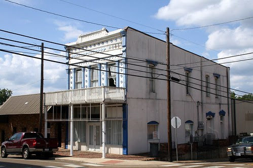 building in crockett
