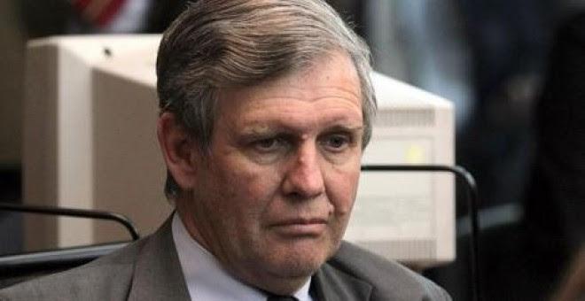 El exmarino Alfredo Astiz escucha la sentencia a prisión perpetua. EFE