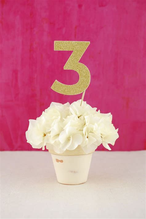 Party Picks Gold Glitter Numbers 0 9
