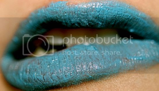 Fashion in Your Teens - Lips with Blue Lipstick