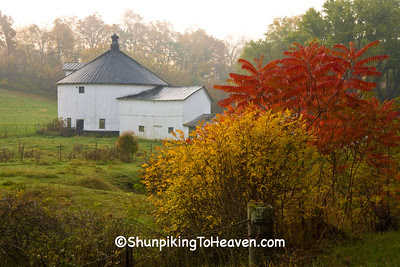Round Barn in Autumn, Rural American Architecture, Richland County, Wisconsin
