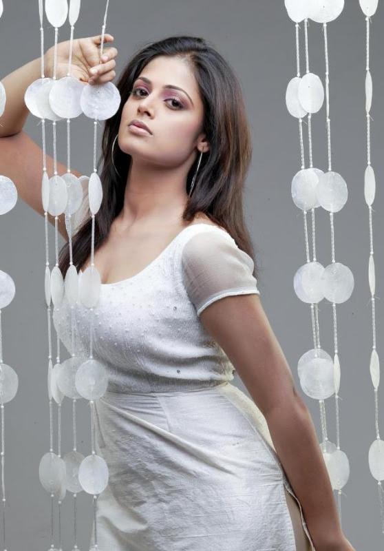 sindhu menon latest hot photo shoot stills 07 Sindhu Menon Latest Hot Photo Shoot Stills