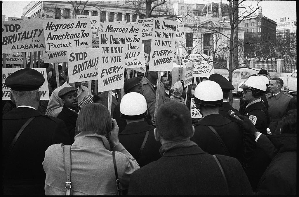 Protest at White House of Bloody Sunday. By Warren K. Leffler, LOC.