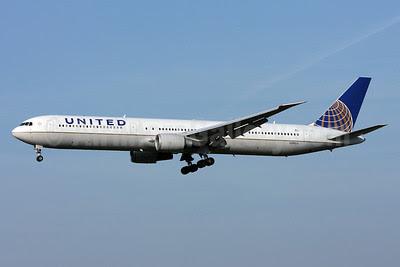 United Airlines Boeing 767-424 ER N59053 (msn 29448) ZRH (Andi Hiltl). Image: 911814.