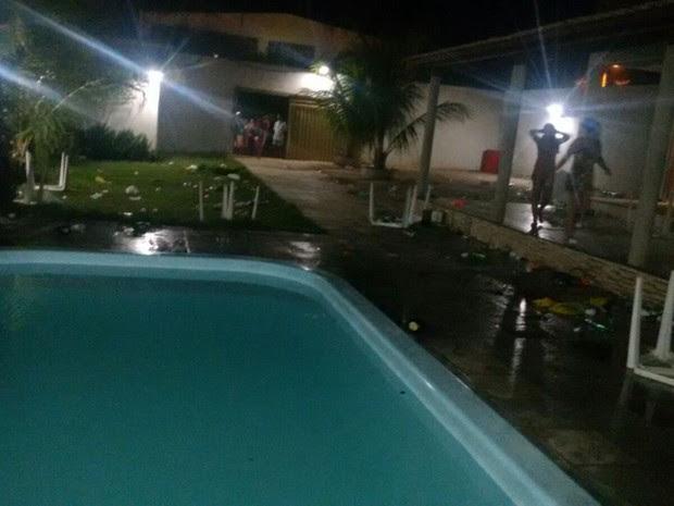 Confusão aconteceu em bairro de Juzeiro do Norte (Foto: Reprodução/ TV Verdes Mares)