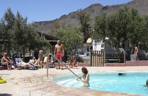 Noticias de ag imes la piscina de temisas abre sus for Piscina municipal de salt
