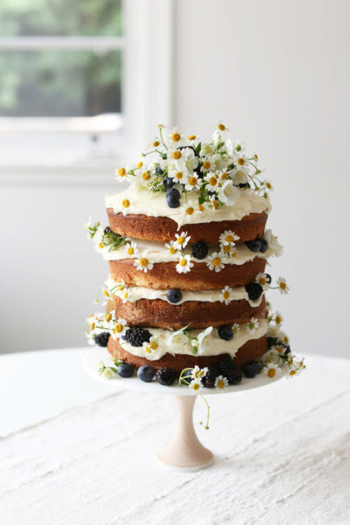 "syflove: ""  Vanilla Naked Layer Cake Recipe  http://ripandtan.jennikayne.com/a-natural-farm-to-table-baby-shower-for-designer-erin-fetherston/ """