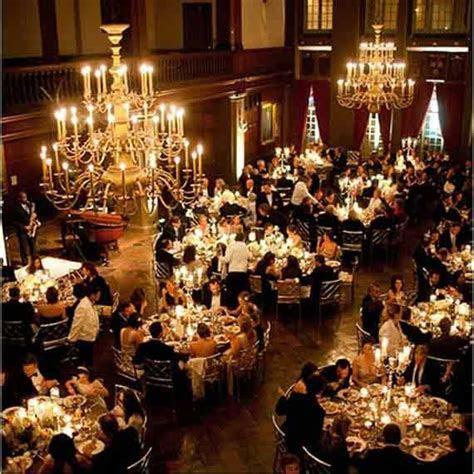 How to Have Inexpensive Elegant Wedding Decorations