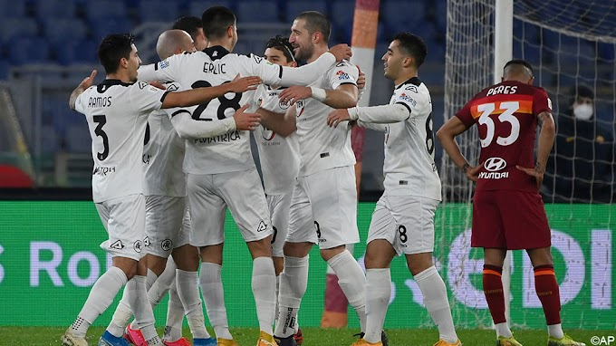 Spezia knikkert AS Roma uit de Coppa Italia na knotsgekke wedstrijd