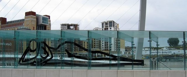 File:Gateshead Millennium Bridge - geograph.org.uk - 1244794.jpg