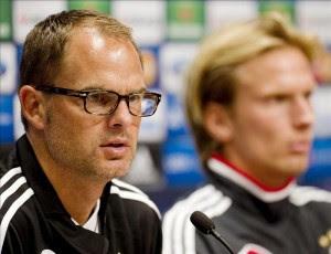 El entrenador del Ajax, Frank de Boer, ofrece una rueda de prensa. EFE