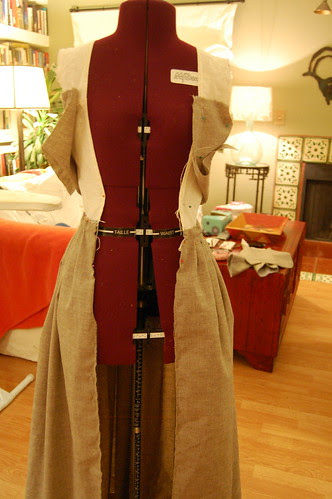 Making a robe a l'anglaise 24