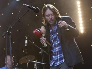 Thom Yorke durante o festival de Glastonbury (Foto: Joel Ryan/AP)