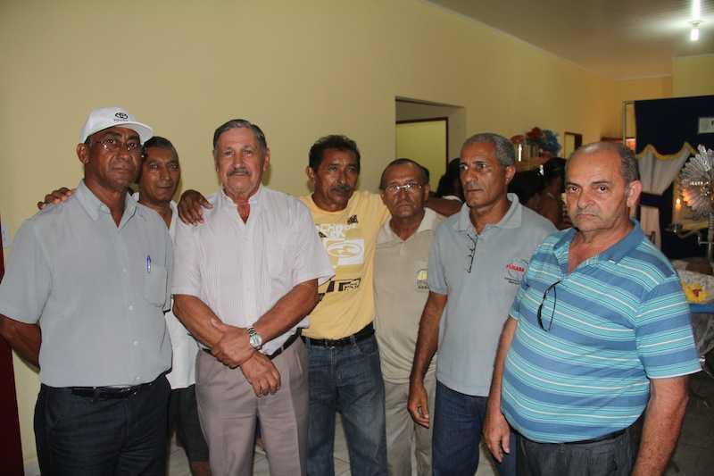 Ex-colegas da antiga Sucam, hoje Funasa, foram prestar última homenagem - Fotos: Alexandre Lima