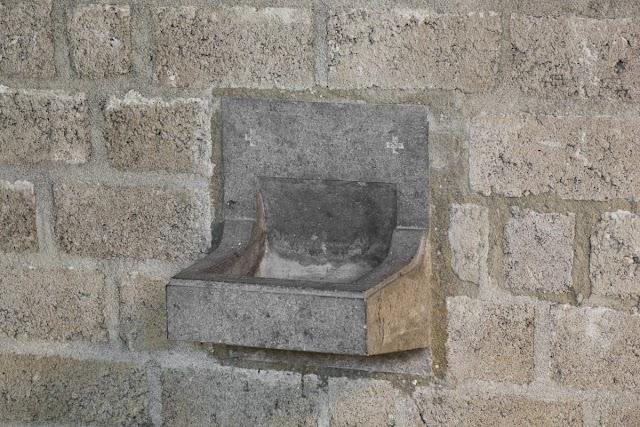 Wijwater of heilig water