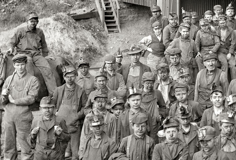 http://www.miningartifacts.org/Copy__2__of_Mine_Boys_-_Woodward_Breaker_-_PA.jpg