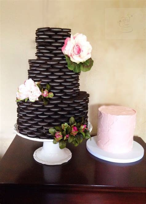 25  best ideas about Oreo Wedding Cake on Pinterest   Oreo
