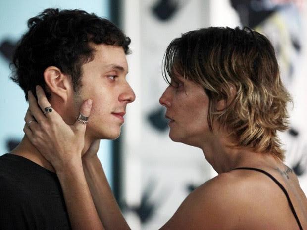 João Pedro Zappa e Deborah Secco em 'Boa sorte' (Foto: Divulgação)