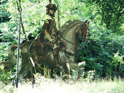 Koning Stadhouder Willem III heeft hier op zijn paard gegaloppeerd