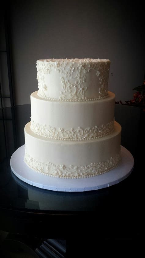 Elegant scroll work on a 3 Tier #wedding #cake!   3WO