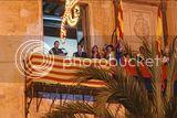 De izq a der: Miguel Bosé, el Alcalde (intendente) de Elx, la jueza que casó a Detector