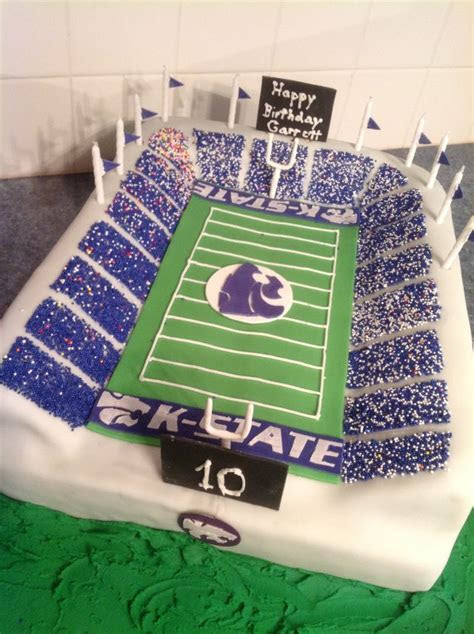 17 Best images about FOOTBALL CAKE IDEAS on Pinterest