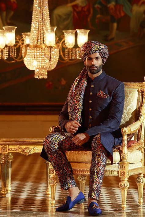 Best 25  Achkan ideas on Pinterest   Indian groom