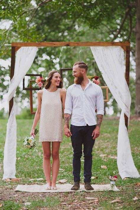 chic  easy rustic wedding arch ideas  diy brides