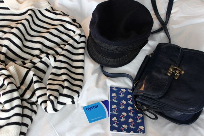 photo 3-mariniegravere laine ampotherstories_casquette saint james_oyster card Londres_zpsriyqis0p.jpg