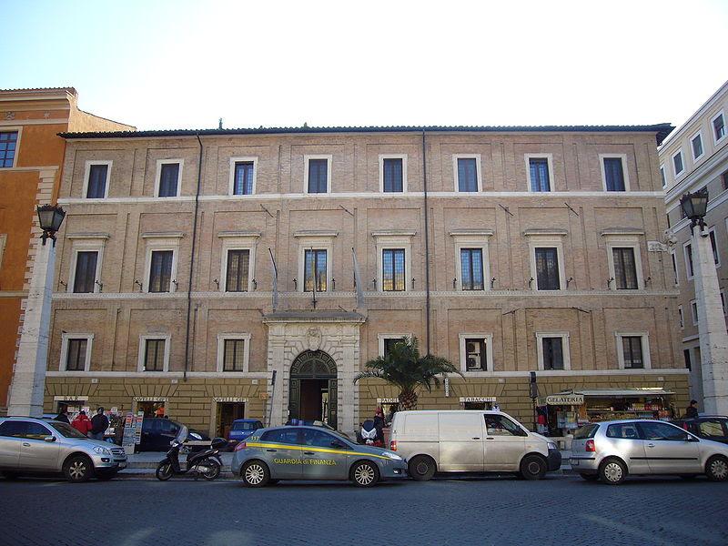 File:Borgo - palazzo Cesi Armellini 1150686.JPG