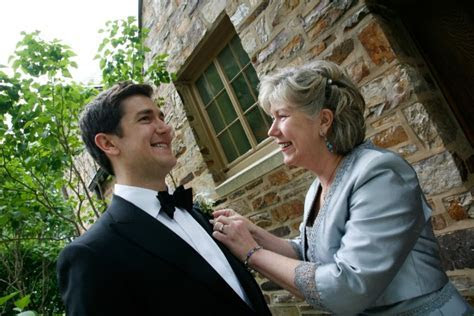 What Does the Mother of the Groom wear   Dress Etiquette