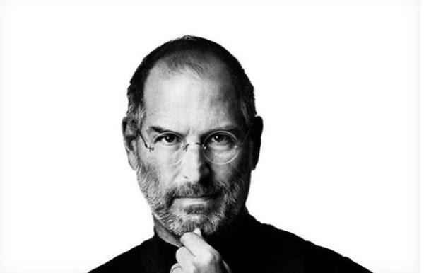 Steve Jobs ajudou no início da internet.