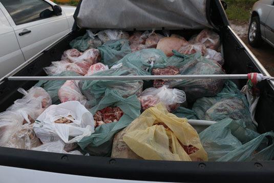 As carnes foram encontradas em carrocerias de pick ups e caminhões baúFoto: Divulgação/SSP