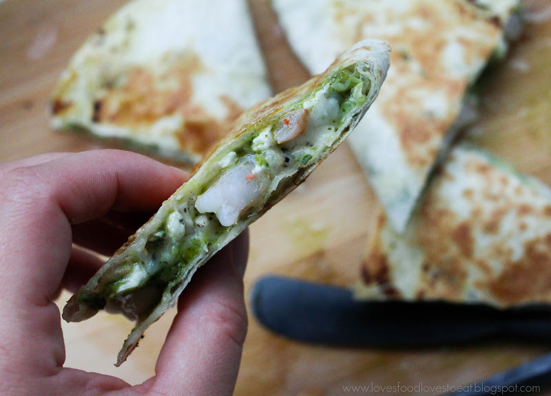 Loves Food, Loves to Eat: Pesto Shrimp Quesadillas