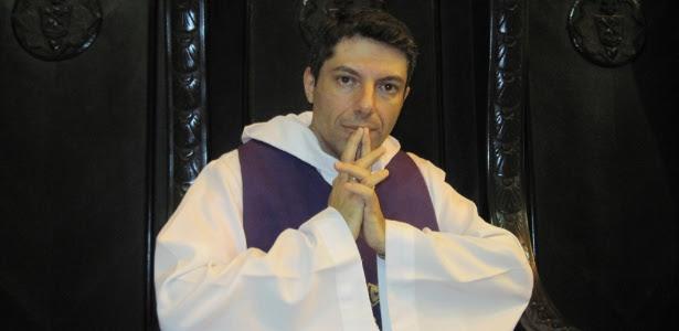 O padre Carlos Eduardo Tibério, que teve o celular furtado após confissão em catedral