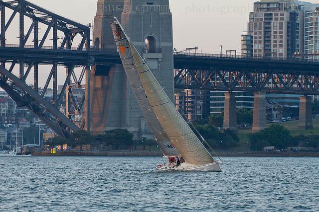 Sailing Boat - TALENT