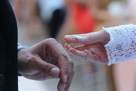 Best Of Traditional Wedding Ring Exchange   Matvuk.Com