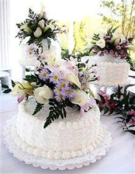 Images of Three Tier Wedding Cakes [Slideshow]