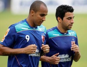 Deivid e Maldonado no treino do flamengo (Foto: Jorge William/Agência O Globo)