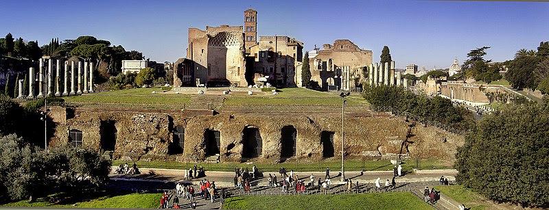 Fil: Templo de venus e roma2.jpg