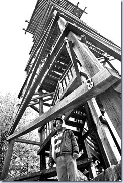 10 Simon pod stolpom (ČB)