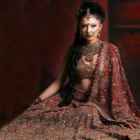 9 Ethnic Indian Wedding Dresses Slide 2, ifairer.com